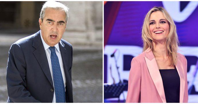 """Maurizio Gasparri contro Francesca Fialdini per l'intervista a Virginia Raggi: """"Una nullità che intervista un'altra nullità"""""""