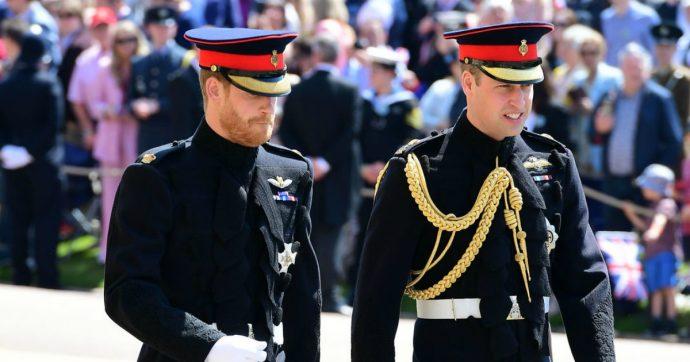 """Principe William replica al fratello Harry: """"Sono preoccupato per lui, è fragile"""""""