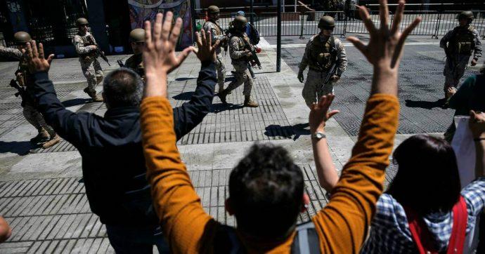 Cile, una protesta senza leader tra vandalismi e dietrologie. Cosa può succedere ora?