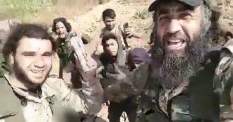 """Siria, uccidono curda ed esultano: """"Le vostre puttane sono sotto i nostri piedi"""". Analisti: """"È gruppo jihadista che combatteva a Idlib"""""""