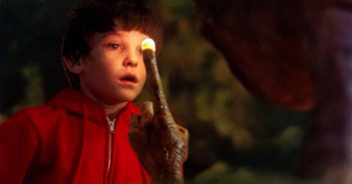 """Henry Thomas, è stato arrestato l'attore protagonista di """"E.T."""": """"È stato trovato svenuto sul volante"""""""