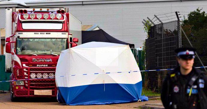 Cadaveri nel camion in Inghilterra, 5 gli arresti: fermato a Dublino anche un ventenne nordirlandese
