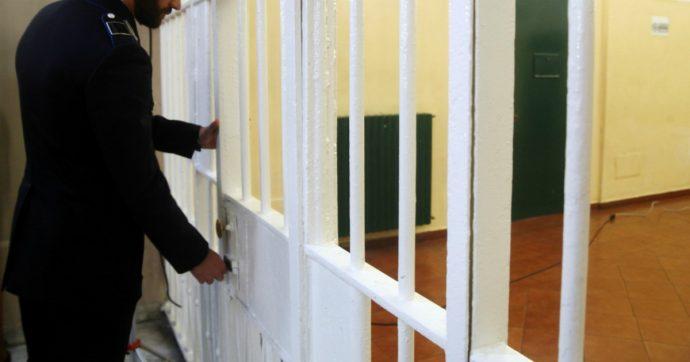 """Coronavirus, 94 detenuti e 204 agenti di polizia penitenziaria contagiati. Il ministero: """"Dall'inizio dell'emergenza scarcerati i 6mila"""""""