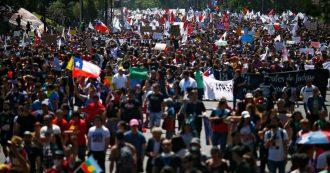 Cile, a Santiago la più grande marcia dall'inizio delle proteste: decine di migliaia di persone in piazza per due giorni