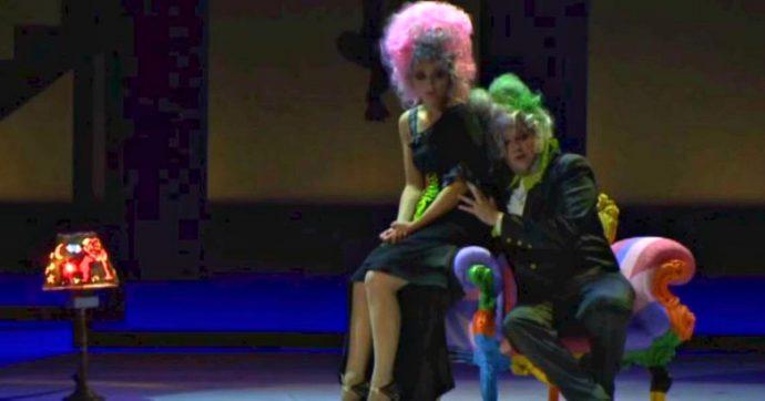 """Morgan regista d'opera: al Filarmonico di Verona il suo """"Matrimonio Segreto"""", smaliziato e un po' punk. Insomma: parecchio a sua immagine"""