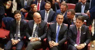 """Umbria, centrosinistra e M5s sul palco per Bianconi: la prima foto di gruppo. Conte: """"Coalizione? Ha futuro, ci affiateremo sempre di più"""""""