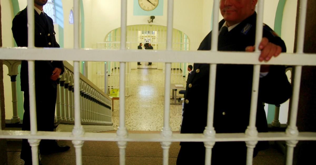 Carceri, nel 2019 la situazione non migliora: sale il numero di detenuti, il sovraffollamento al 131%