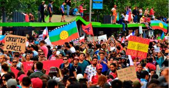 Cile, Pinera non lascia ma annuncia la fine dello stato di emergenza e un rimpasto di governo. Revocato il coprifuoco a Santiago