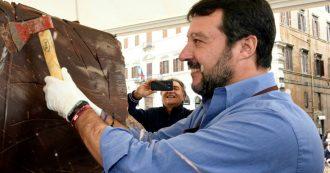 """Matteo Salvini e la foto del dessert che scatena i commentatori: """"Non è da tutti vantarsi di una mer** con panna"""", """"E basta co' sti selfie"""""""