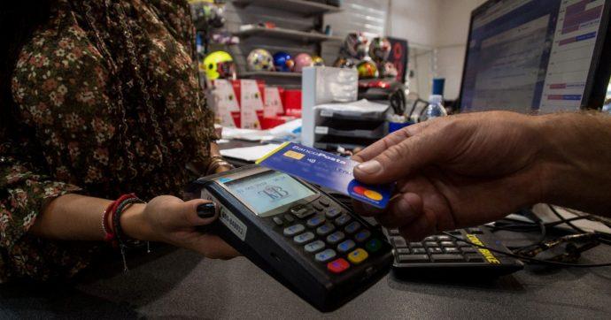 In Gazzetta il decreto sul cashback: avvio forse l'8 dicembre (decide il Tesoro). Fino a 150 euro di rimborso per le spese di Natale