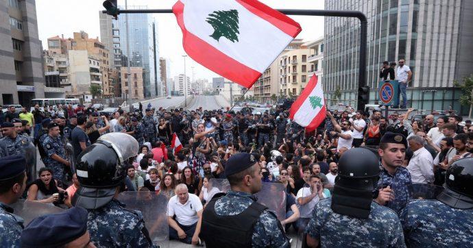 Libano, il paese è sull'orlo del collasso. E ora il pericolo più grande è la strumentalizzazione