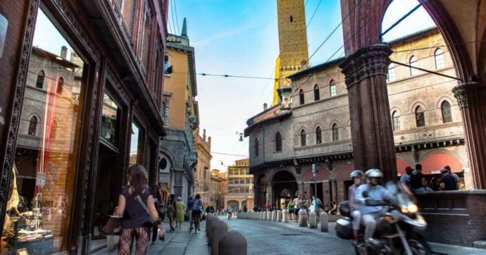 Emilia Romagna, da Bologna tre storie di 'plastica'. Quando la realtà è più strana della finzione
