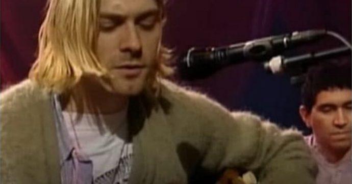 Nirvana, venduta a sei milioni di dollari la chitarra che Kurt Cobain suonò all'MTV Unplugged: è record