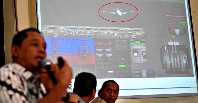 Andrea Manfredi, morì nell'incidente aereo in Indonesia: la sua famiglia fa causa alla Boeing