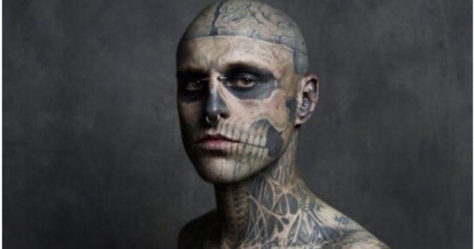 """Rick Genest, lo """"Zombie Boy"""" lanciato da Lady Gaga non si è suicidato: """"È stata morte accidentale"""""""