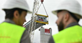 """Ponte Morandi, a due mesi dalla scadenza completata una campata su 19. Il sindaco: """"Ritardi? L'opposto. Inaugurazione ad aprile"""""""