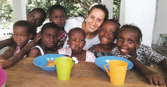Silvia Romano libera dopo 18 mesi. Lei: 'Sono stata forte'. Mattarella: 'Grande gioia per tutti'. L'annuncio di Conte: 'Grazie a intelligence'