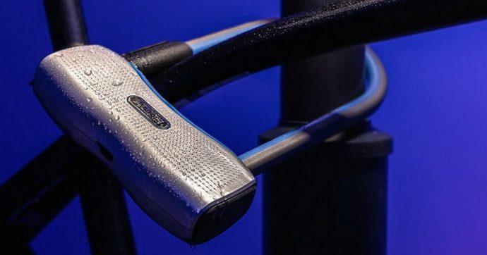 Lucchetto tecnologico per le biciclette: si sblocca con lo smartphone e ha una sirena da 100 decibel