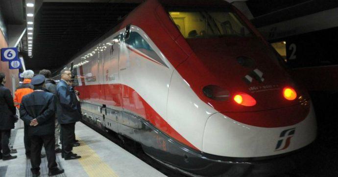 Bologna, accoltella la ex fidanzata sul treno Frecciarossa Torino-Roma: aggressore fermato in stazione. Ferito un passeggero
