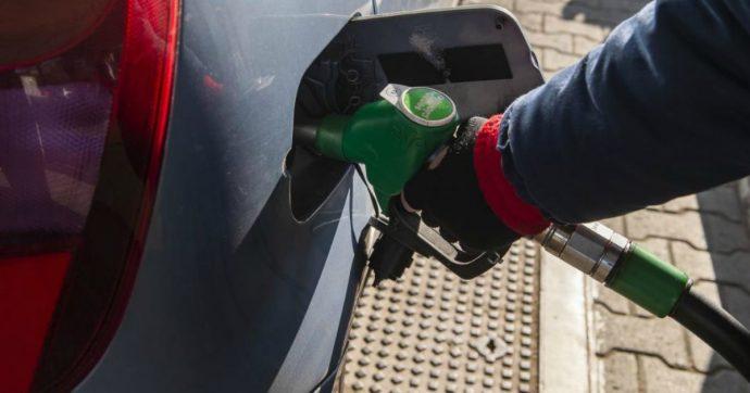 UE, nove Paesi vogliono fissare una data per la fine delle vendite di auto diesel e benzina