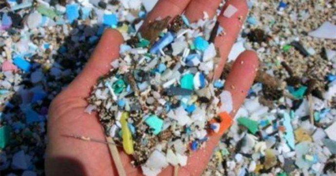 Microplastiche, non tutti sanno che molte provengono dalle nostre lavatrici