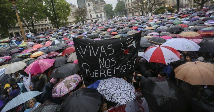 Barcellona, un'altra aggressione sessuale derubricata ad abuso. E ora la Spagna scivola ancora di più