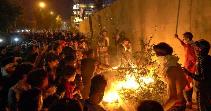 """Iraq, """"vogliamo indietro il nostro Paese, cacciamo Teheran"""": la primavera anti-iraniana ha già fatto oltre 270 vittime in un mese"""