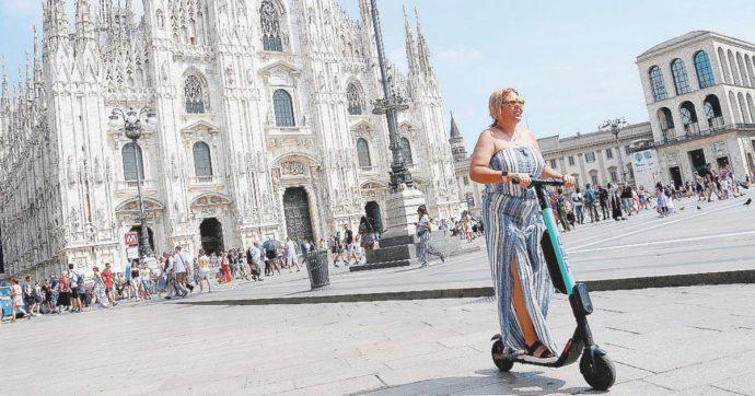 """Monopattini elettrici, a Milano arrivano gli addetti alla sicurezza per controllarli in strada. L'assessore: """"130 incidenti da giugno"""""""