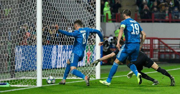 Lokomotiv Juventus 1-2, bianconeri agli ottavi di Champions grazie al gol di Douglas Costa all'ultimo minuto