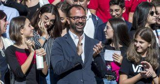 """Fioramonti: """"Da settembre 2020 a scuola si studieranno cambiamento climatico e sostenibilità"""""""