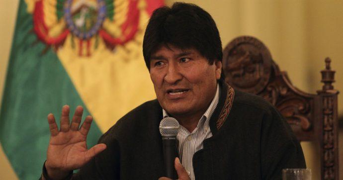 """Bolivia, anche l'esercito contro Morales. Il presidente annuncia le dimissioni: """"Ho l'obbligo di operare per la pace"""""""