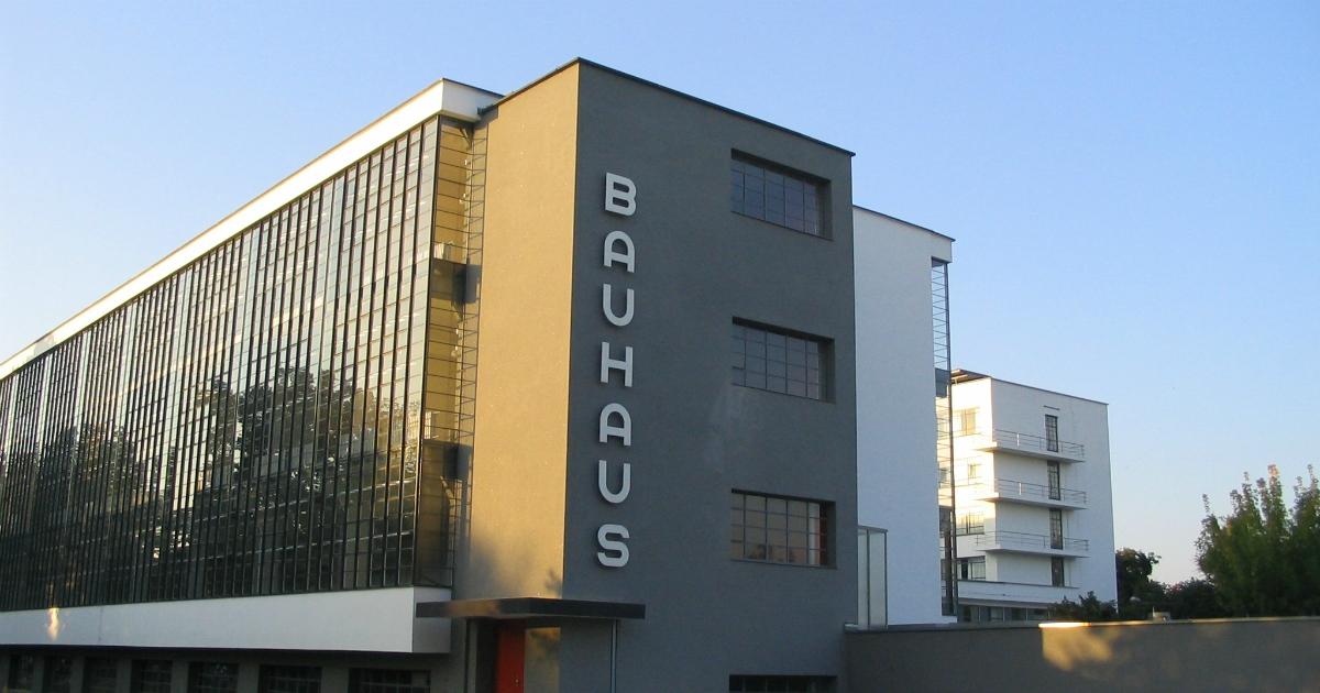 Cent'anni fa nasceva la Bauhaus. Una storia anche femminile (nonostante le discriminazioni)