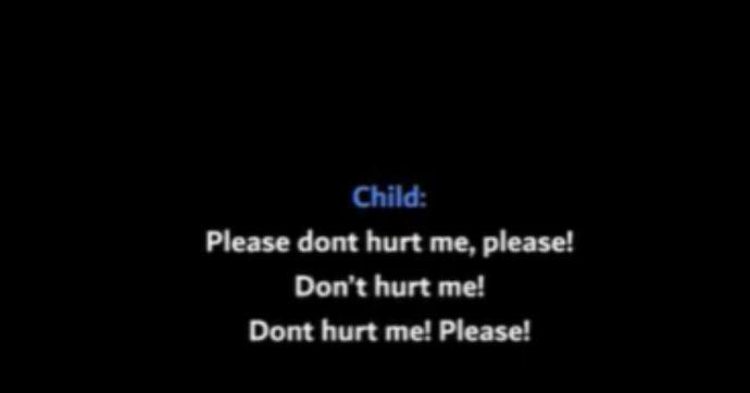 """""""Aiutatemi, mia madre vuole uccidermi"""": bimbo di 7 anni pugnalato 25 volte chiama la polizia. Due agenti intervengono e sparano alla donna"""