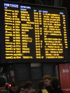 Trenitalia, l'alta velocità è in ritardo cronico e i social
