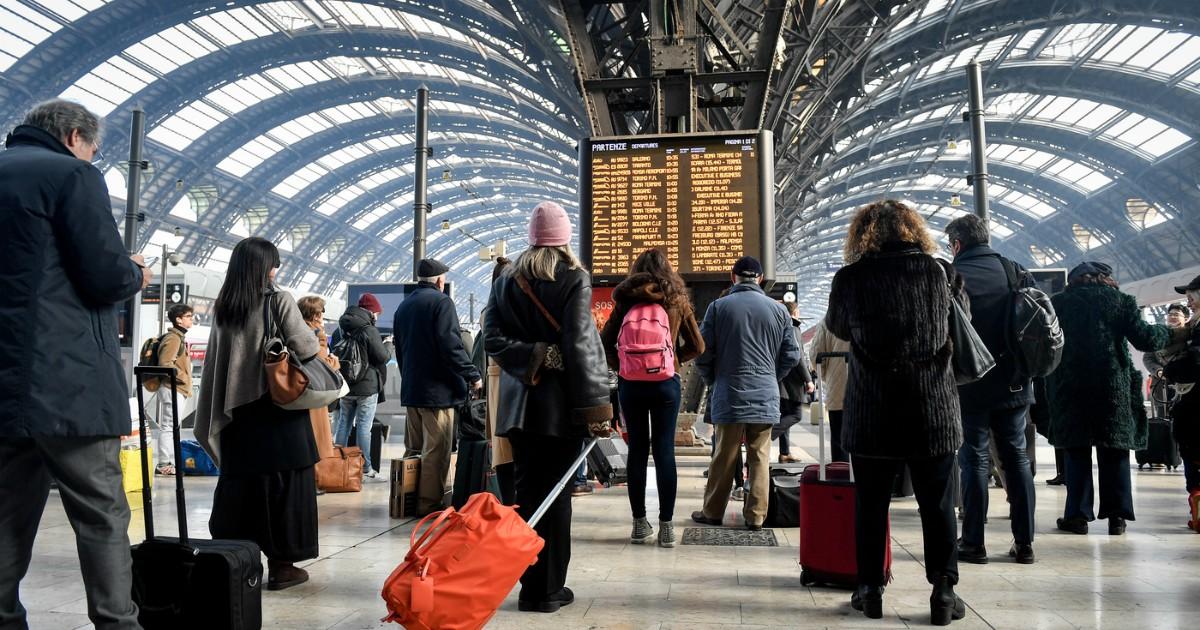 Trenitalia, l'alta velocità è in ritardo cronico e i social sono presi d'assalto. Avrei un consiglio