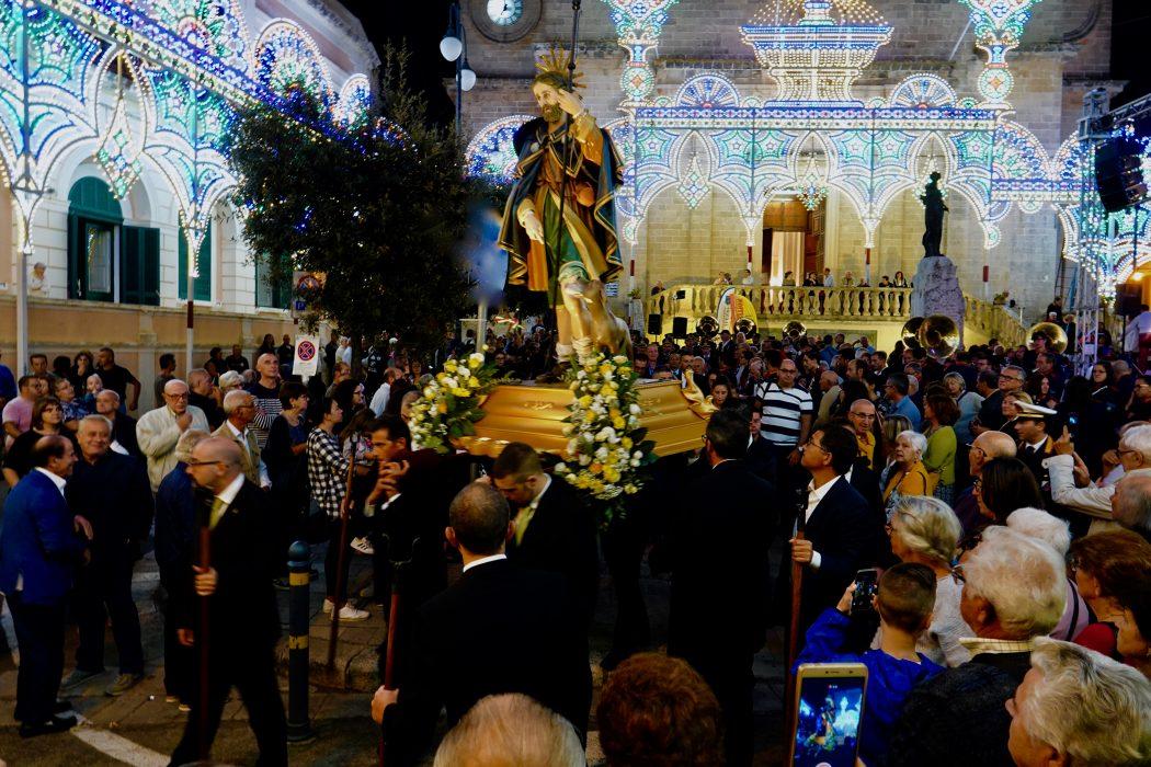 La processione per la festa di San Rocco a Alezio