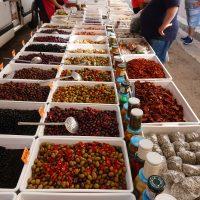 prodotti tipici al mercatino della Festa di San Rocco ad Alezio