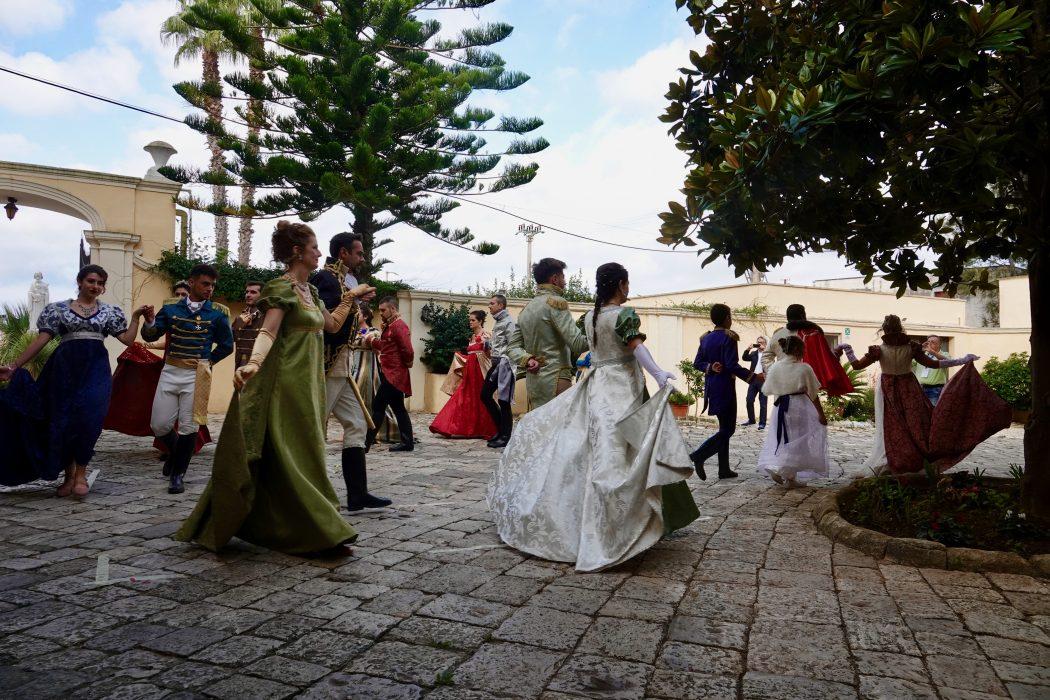 RappresentazionUne in costume  a Villa Starace