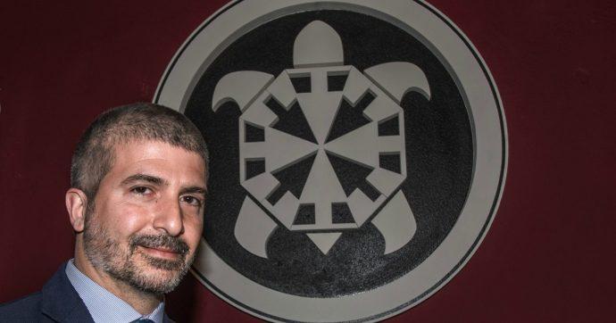 Milano, Anpi e Sentinelli organizzano mail bombing contro l'evento di Altaforte: hotel toglie la disponibilità della sala congressi