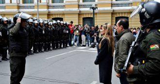 Bolivia, la spinta dei comitati civici e la rivolta della polizia: cosa succede dopo la fuga di Evo Morales e la nomina di Jeanine Anez