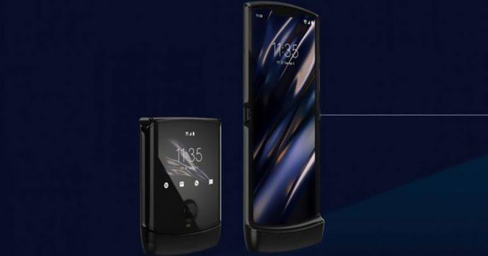 RAZR 2019, Motorola reinventa un'icona hi-tech aggiungendo lo schermo pieghevole