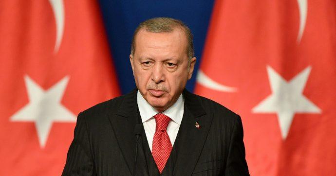 """Turchia, il partito di Erdogan ripropone il matrimonio riparatore. Proteste: """"Così ci saranno spose bambine"""""""