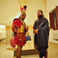 Costumi dei Messapico, un guerriero e un mercante.