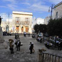 La piazza di Alezio, in attesa della festa