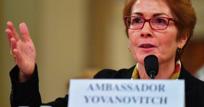 """Usa, Trump contro l'ex ambasciatrice a Kiev mentre testimonia al Congresso: tutti contro il presidente. """"Intimidire un testimone è reato"""""""