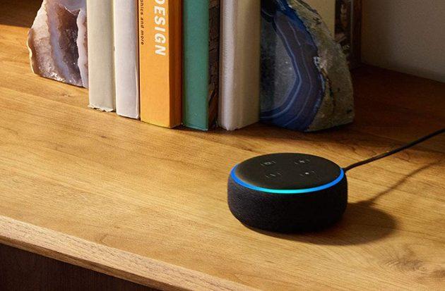 Echo Dot, lo smart speaker economico di Amazon, in offerta a