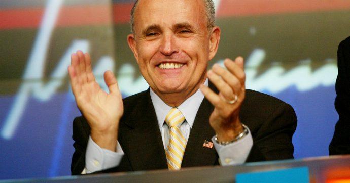 Rudolph Giuliani, l'avvocato personale di Donald Trump indagato per violazione della legge sui finanziamenti elettorali
