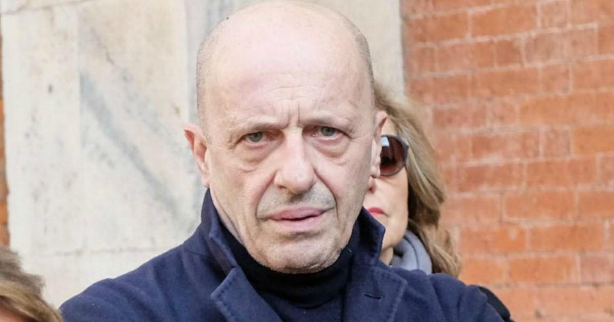 """Alessandro Sallusti """"vittima"""" del santone di Desio e dei suoi strani riti: lo scherzo de Le Iene - Il Fatto Quotidiano"""