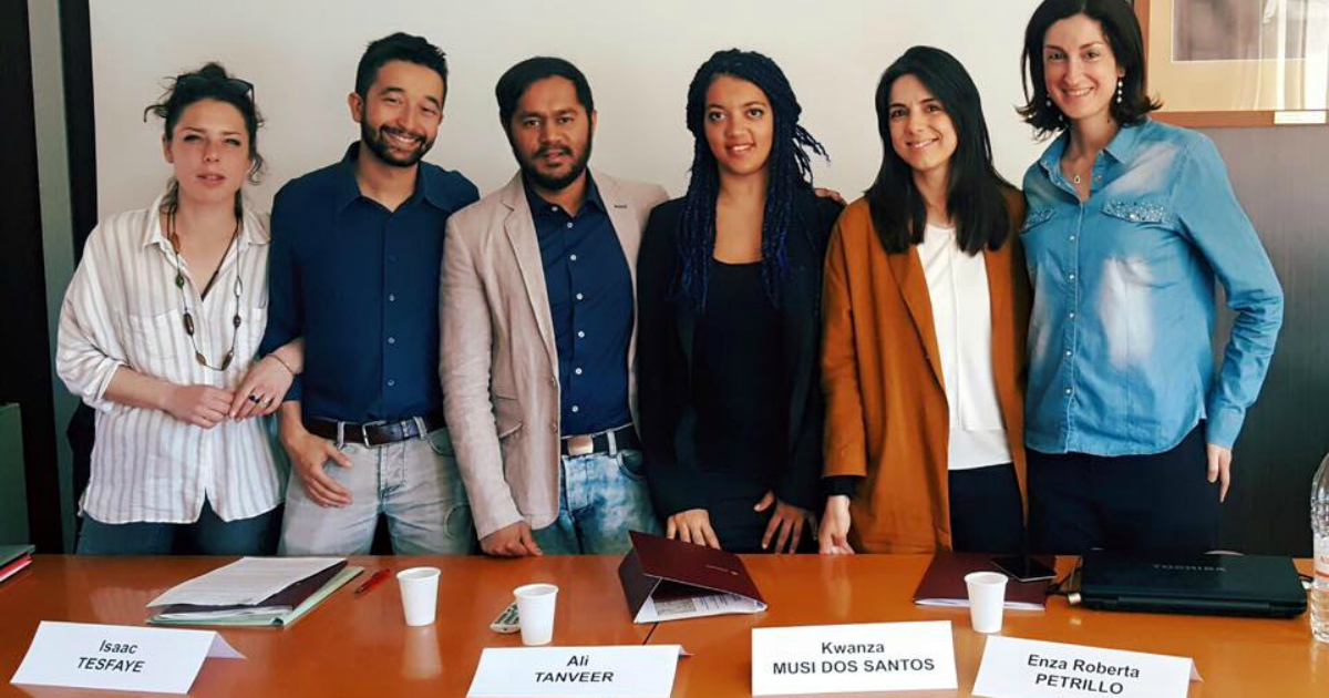 Bologna, lo sportello per studenti rifugiati non è solo un aiuto burocratico ma un'idea politica - Il Fatto Quotidiano
