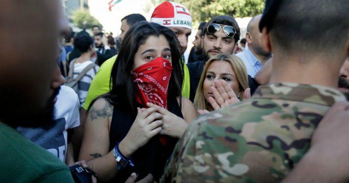 Libano, Hong Kong ma anche l'Ilva di Taranto: la gente protesta perché è stanca della precarietà
